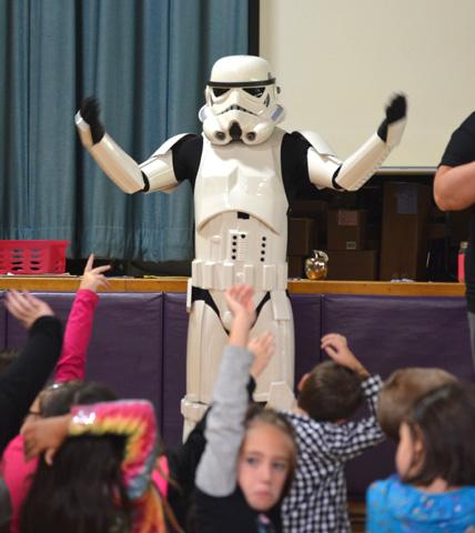 Storm Trooper rallies children