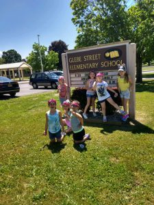 more kids by Glebe sign
