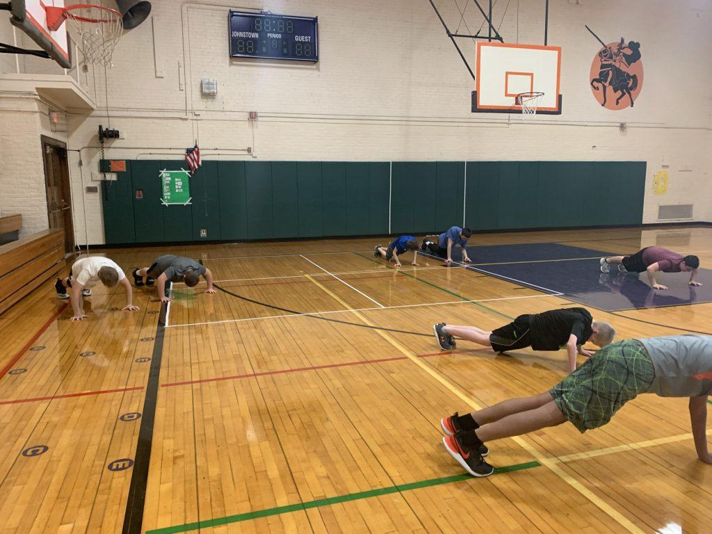 more Knox students doing push ups